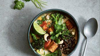 Plantaardig recept: Thaise soep met rode curry