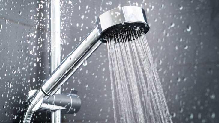Water besparen onder de douche
