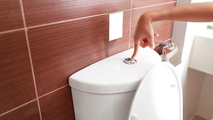 Water besparen in de badkamer met doortrekken