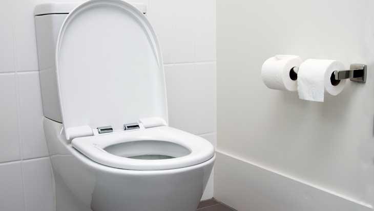 Water besparen in de badkamer met je toilet