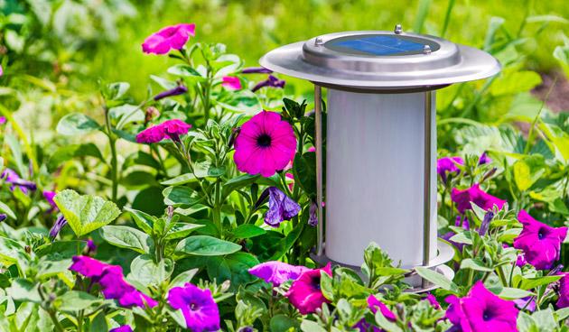 Energie besparen op je terras, lampen op zonne-energie